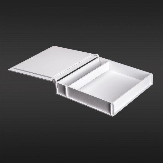 Коробка для фото з відділенням для флеш-пам'яті модель 1 фото 15х21 білий